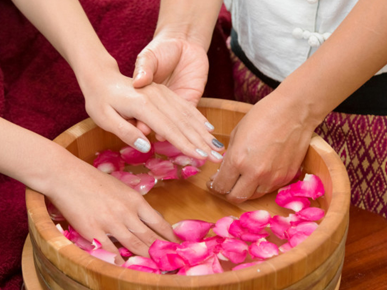 Tip To Hand Manicure